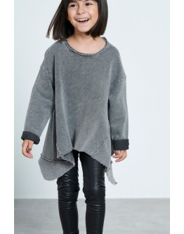 Sweatshirt with toes
