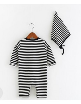 Baby romper with stripes and hat