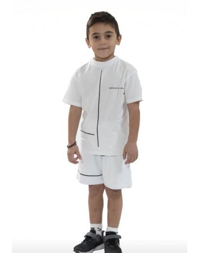 Bermuda shorts with t shirt