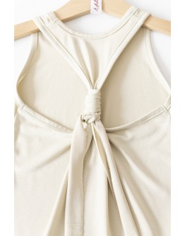 Sleeveless model blouse with athletic back